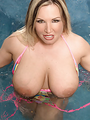Big Tits at Pool