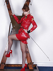 Red rubber domina