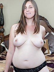 Lindsay entices her lovers