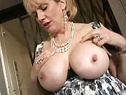 Kinky mature mom