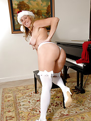 Santa Jenna Covelli gives the gift of her tight twat