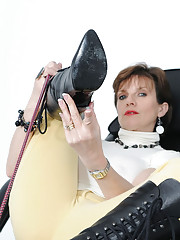 Boot dominatrix