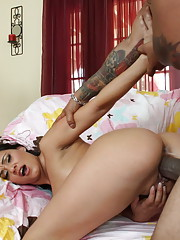 Horny slut meets a cock thats 10 inches too big