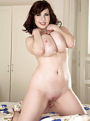 Huge Boobs Shaved Pussy