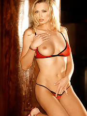 Playmate Exclusives May 2003 - Laurie Jo Fetter�