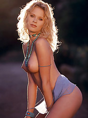 Playmate of the Month September 1999 - Kristi Cline�