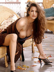 Playmate of the Month November 1998 - Tiffany Taylor�