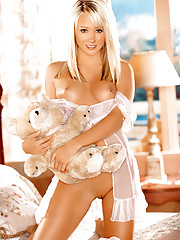 Playmate of the Month July 2006 - Sara Jean Underwood�