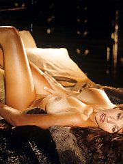 Playmate Exclusives February 2005 - Amber Campisi�