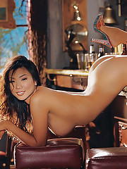 Playmate of the Month June 2004 - Hiromi Oshima�
