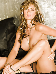 Playmate Exclusive May 2009 - Crystal McCahill�