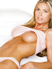 Playmate Exclusives July 2004 - Stephanie Glasson�