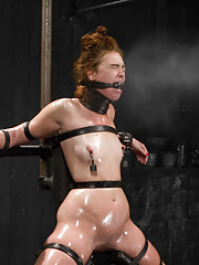 Jodi submits LIVE to tits down ass up metal bondage with anal, intense leather neck play/breast smothering, & relentless fucking machine bondage!