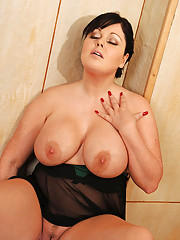 Big Tits Masturbating