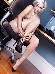 Cordelia shows her hairy pussy at work