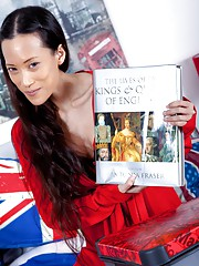 Hairy girl Inco is a patriot and a kinky reader