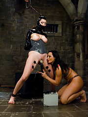 Princess Donna gets Sandra Romain
