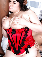 Big Tits in Groupsex