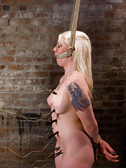 Lorelei Lee and Annette Schwarz struggle in tight rope together