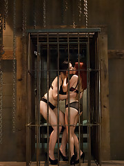 Kinky girls get their butts fucked and stretched by hot mistress!