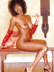 Playmate Exclusives July 2005 - Qiana Chase�