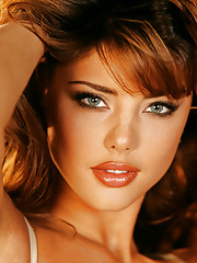 Playmate of the Month March 2000 - Nicole Marie Lenz�