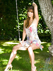 Playmate Deanna Brooks was born in Nevada and moved to Idaho, Utah, New Mexico and Washington, DC before settling in California. She�s a classically trained pianist, actress and former cheerleader. Deanna was never i�