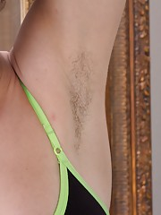 Hairy beauty Candy Smith loves to workout and cum