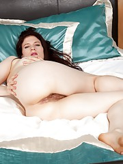 Brianna Green gets up to play with her hairy pussy