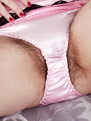 Hairy babe Sharlyn loves pink and vibrators