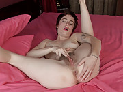 Hairy Ruby Rose gives a great massage