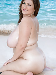 Fatties Busty Moms