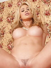 The sexy Mia is at home waiting for her husband to apologize for overreacting when he did a double-take on a waitress while they were out at dinner. Now that she has thought about it, she is ready to make it up to him by sucking his cock, getting fucked f