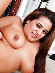 Hot big tit Latina Penelope Piper cheats on her husband with the painter