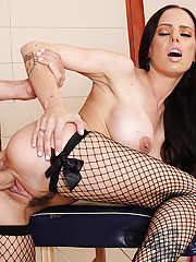 Brandy Aniston gives a special massage and fucks her client.