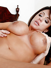 Ariella seduces her friend\