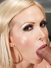 Nikki Benz gets her hot pussy pounded