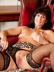 Milf next door gets naughty and plays with her moist trimmed twat
