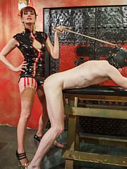 Maitresse Madeline travels to notorious Midtown Manhattan dungeon!