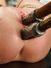 Anal whore Roxy Raye double pentration squirting orgasms in tight rope bondage