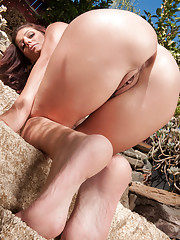 Stunning Anilos babe Alicia Silver plays with her furry twat while sunbathing