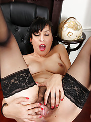 Horny Anilos lady rubs her furry twat to orgasm