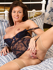 Anilos newbie shows off her giant nipples and pierced clit