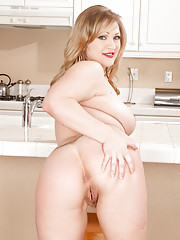 Angelic housewife Victoria Tyler gets naughty while baking
