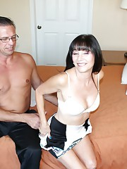 Mature mom Jessica Sexxxton jerking off her daughters new bf