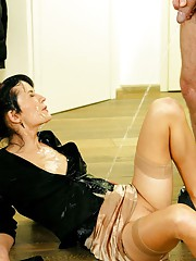 Hot chick fucking and pees