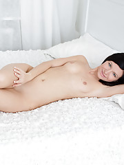 Innocent amateur fondles her sweet shaved pussy