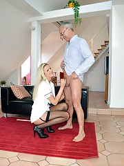 Blonde beauty rides schlong