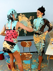 Slutty chicks play in paint