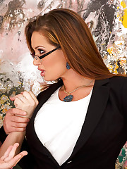 Tory Lane is looking to have a self portrait of her commissioned. She went to the wrong place though. She ended up with an art broker instead of with an artist. Well Tory is the kind of lady that gets what she wants and she wants the broker to paint her r